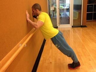 Wall push-up 2