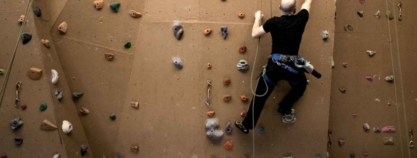 Indoor rock climbing in Chicago benefits for fitness