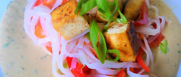 Healthy stir fry recipe for Vietnamese orange ginger cashew stir fry.