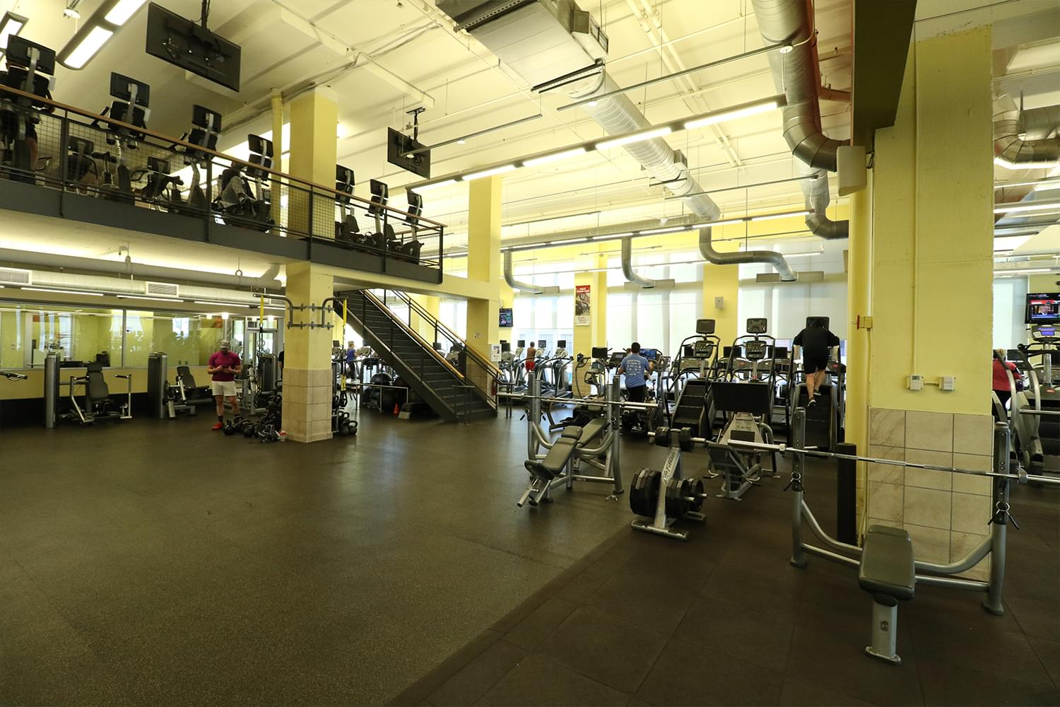 FFC Oak Park Strength Floor