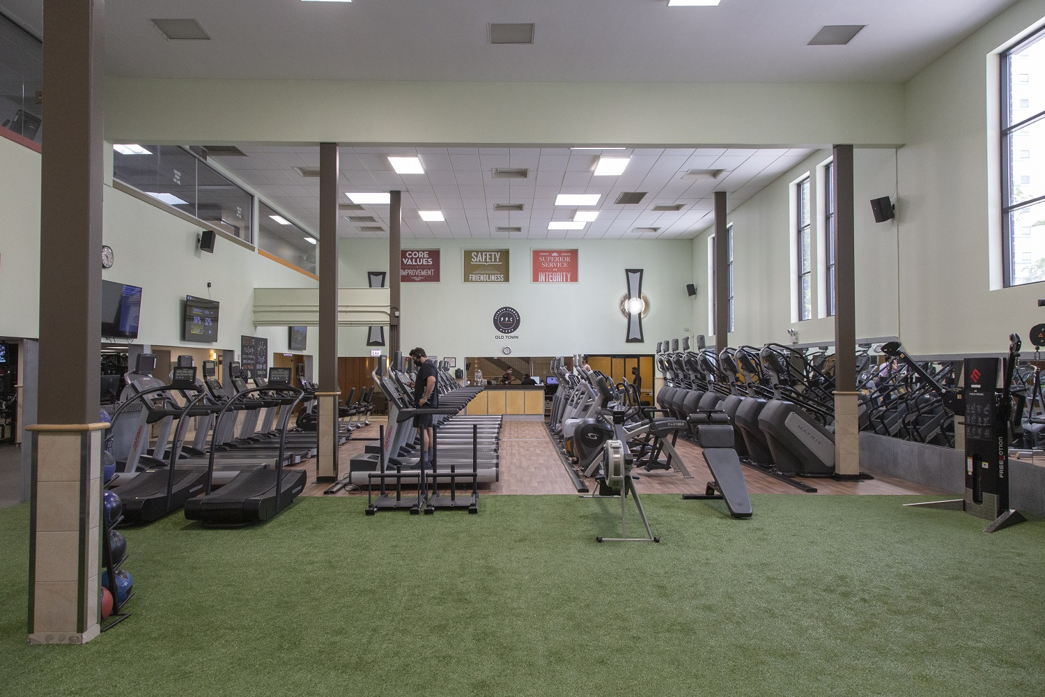 Photo of the FFC Old Town cardio machines,