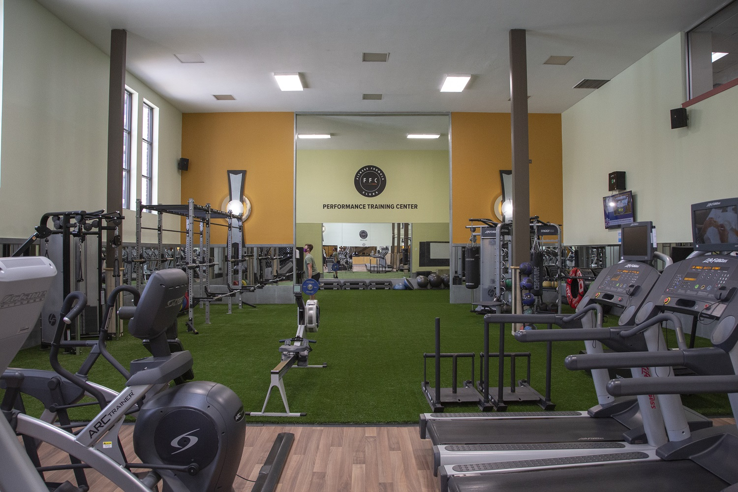 Photo of the FFC Old Town cardio machines.